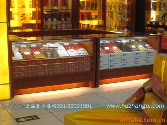 优质三聚氰胺板烟酒展示柜